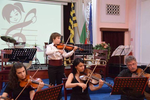 Дадоха старт на XIII Международен конкурс за млади музиканти