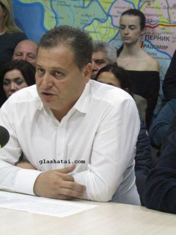 Караилиев се оттегля от политиката, общински служители напускат