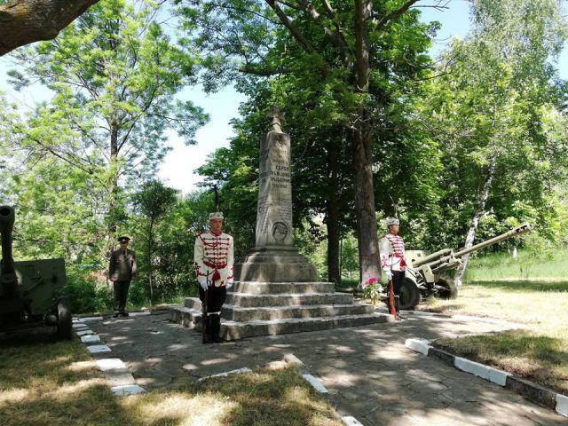 Възстановка на исторически боеве правят в Брезник