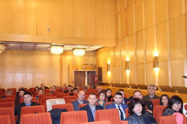 Общинските съветници на ГЕРБ – Перник изтеглиха три точки от дневния ред на днешната сесия