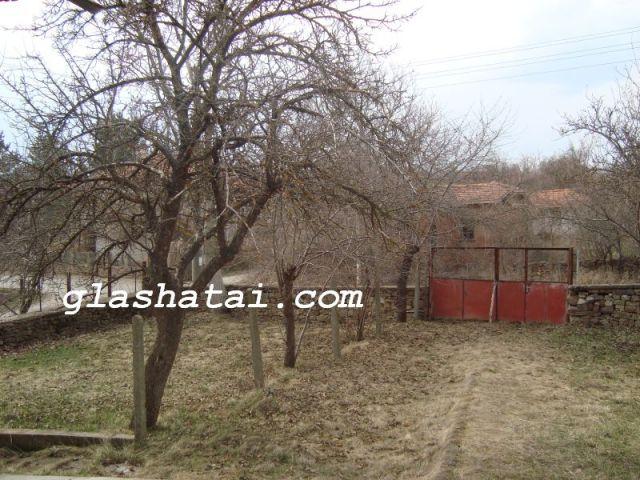 15 села в пернишко имат под 10 души жители, 71- в страната с 1 човек