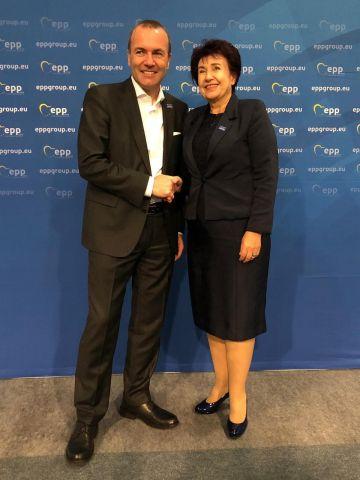 Церовска се срещна с  Манфред Вебер председател на групата на ЕНП в ЕП
