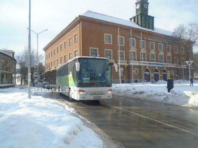 Важно за пътуващите утре: за час и половина спират градски и междуселищни  автобуси