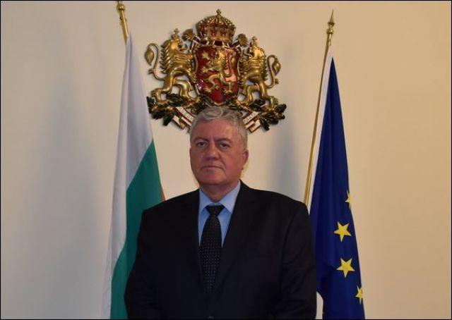 Повод да почерпи днес има областният управител Симеон Василев