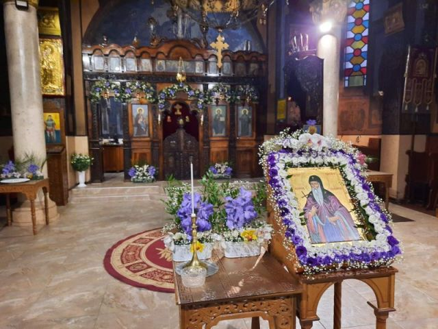 Празникът започна с литургия в 100 годишния храм на Перник