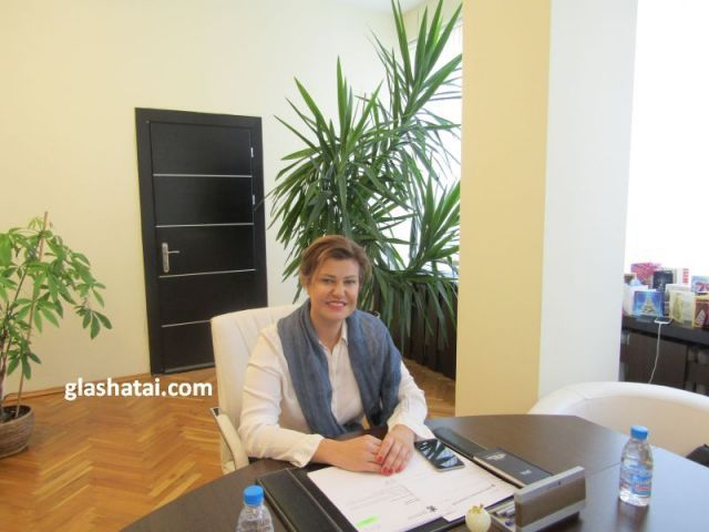 Повод да почерпи днес има областният управител Ирена Соколова