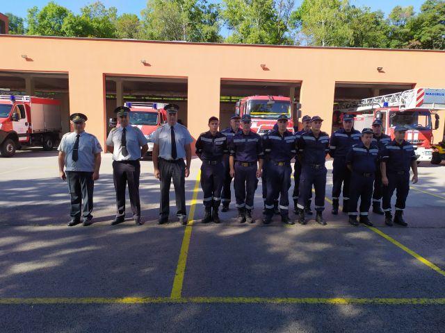 Пернишките пожарникари пеазнуваха днес