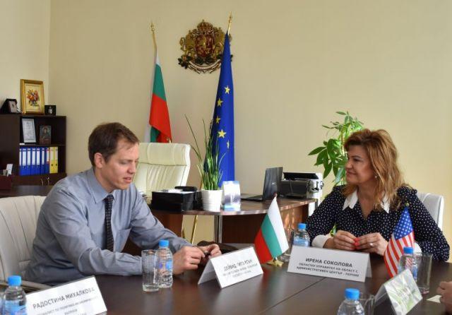 Хора от САЩ и Соколова ще организират обществен форум