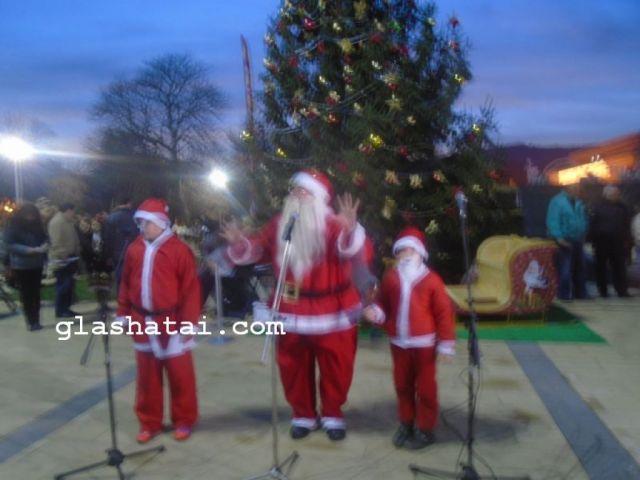 Днес следят движението на Дядо Коледа
