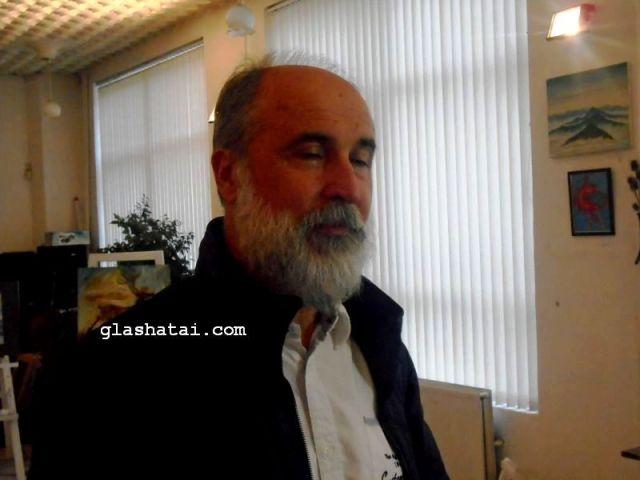 Иван Стратиев показва картини в Деня на Перник