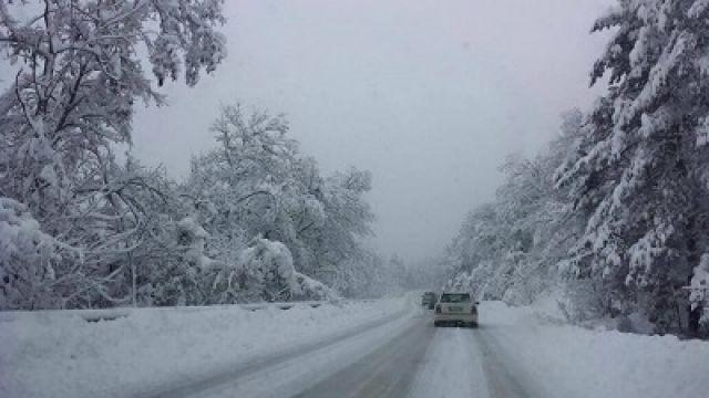Повече от 200 000 лева ще глътне снегът по пътищата в Трънско