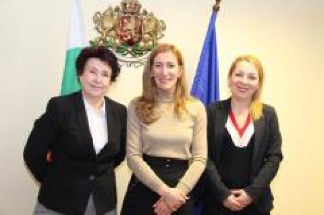 Министър Ангелкова в Перник