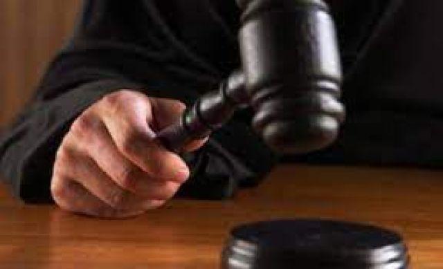 Съдят мъж ограбил възрастен човек