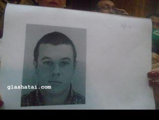 Година след убийството на Роберт, предават на съд убиеца му