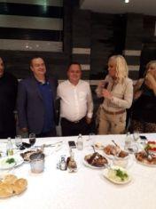 Кметът на Ковачевци вечеря с Лепа Брена