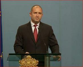 Радев поиска оставката на правителството и Гешев
