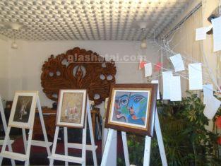 """Любов, вино и валентинки събират художници и почитателите на изкуството в галерия """"Марин Гогев"""""""