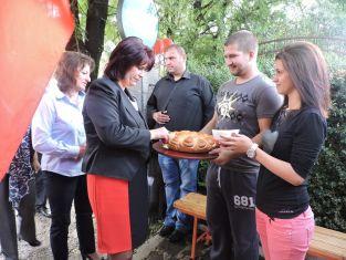 Нов клуб откриват социалистите в Перник. Лентата реже Нинова
