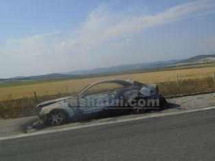 Още една пернишка кола изгоря