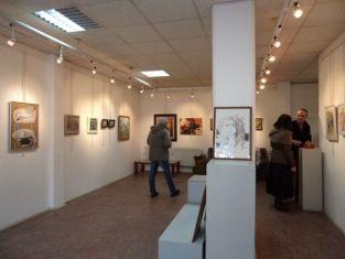 Три изложби в залите на галерия Перник през юни