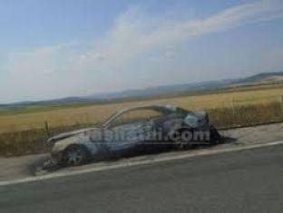 Пламъци изпепелиха две коли