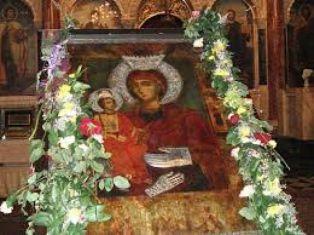 Православната църква чества Успението на Пресветата Божия Майка - Голяма Богородица