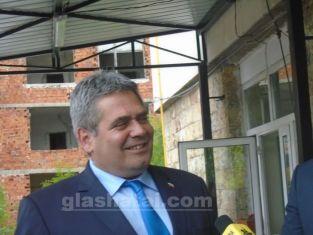 Всички кметове и кметски наместници в община Радомир с лаптопи