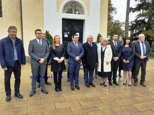 Коалиция ГЕРБ - СДС в Перник откри предизборната си кампания /снимки/