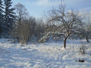 Спират движението, за да чистят снега. Спешни медици със затруднен достъп до някои квартали