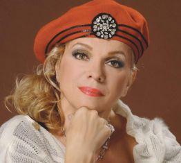 Искра Радева: Баба ми ме насочи към театъра, работата ми винаги е била щастие
