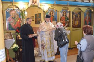 В Радомир празнуваха Спасовден. Въпреки пандемията раздадоха стотици порции курбан