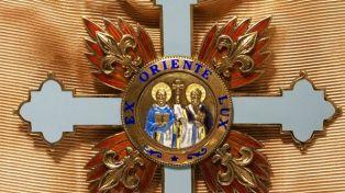 """Създатрлят на художественото училище в Дрен получава орден """"Св. Св. Кирил и Методий"""""""