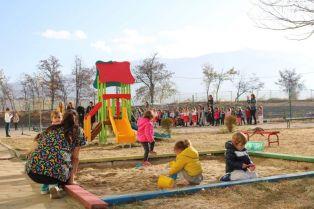 Откриха детска площадка в пернишко село