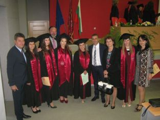 Павлов- на дипломирането на зъболекарите в Пловдив