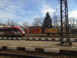 За пореден път показаха неволите на перничани, пътуващи с влак