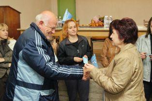Вяра Церовска връчи членските карти на двайсет новоприети членове на ГЕРБ в с. Вискяр