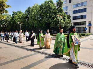 Отвбелязаха връщането на мощите на Св. Иван Рилски с литийно шествие