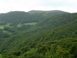 Български и сръбски туристи  изкачват днес Руй