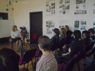 """Соколова говори за  """"Ценности и празници""""  пред ученици"""