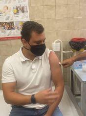 Костадинов се ваксинира