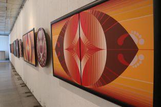 Филип Седефчев показва творбите си пред перничани