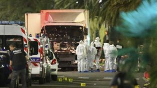 Нов ад във Франция. Терорист  уби 80 и рани ститици