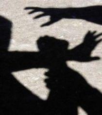 Син преби баща си в радомирско село