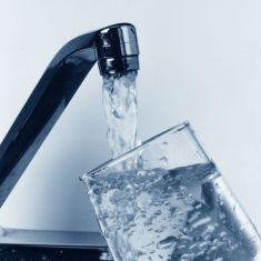 Водата от две чешми в радомирско и трънско с отклонения в показателите