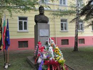 България отдава почит на Ботев и загиналите за свободата