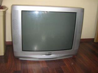 Доверие и два телевизора - ключът към щастливия брак