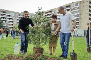 """Кандидатът за кмет от ГЕРБ Вяра Церовска даде началото на инициативата """"Аз обичам Перник"""""""