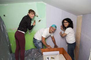 Служители на световна козметична компания ремонтираха кризисен център в Перник