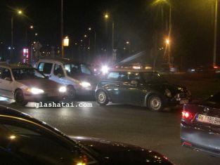 Важно за пътуващите! Протестиращи блокираха пътя Перник-София при пътен възел Даскалово