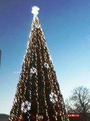 Коледният дух се настани в Перник. Късметът на града- тематичен, този на Глашатай- най-хубавият